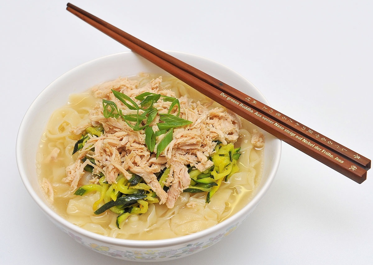 Калькуксу – корейский суп с лапшой